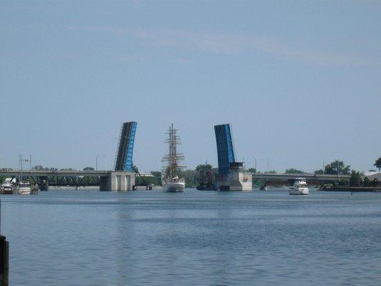 Riverwalk Pier : Tall Ships viewed from Riverwalk