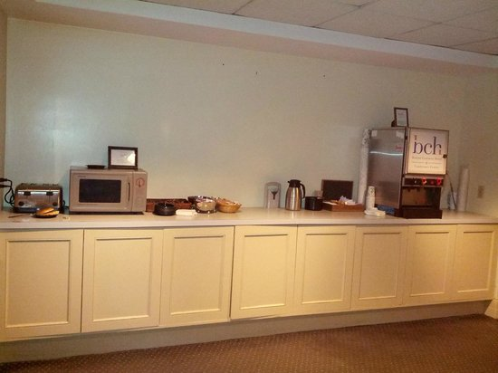 The Boston Common Hotel and Conference Center : Breakfast area 1