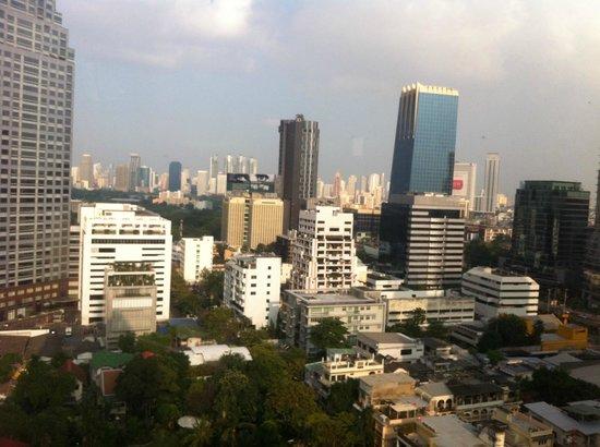 Bandara Suites Silom, Bangkok : Vue de la chambre 20e etage