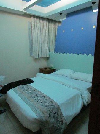 Club In Eilat: room