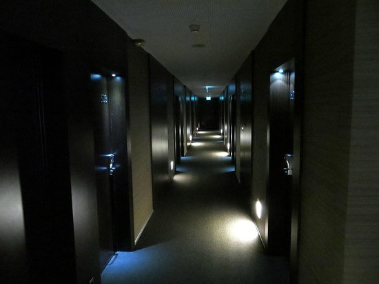 Moov Hotel Porto Centro : Corridoio dell'albergo (5° piano)