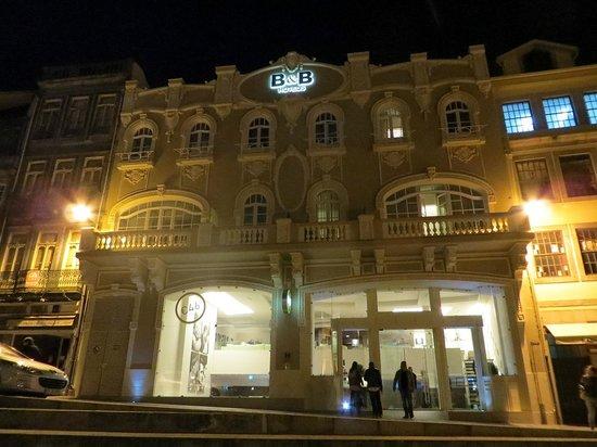 Moov Hotel Porto Centro : Facciata dell'albergo