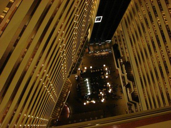 Hyatt Regency Houston : Vista del Lobby desde el 28 Piso