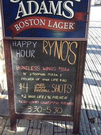Ryno's Pub & Pizzeria: Happy Hour!