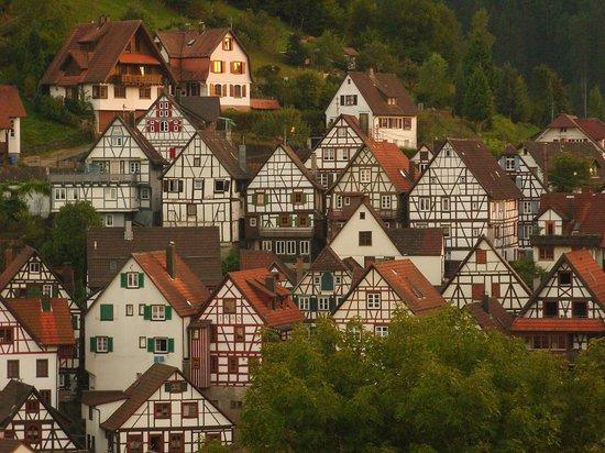Hotel Gasthof zum Weyßen Rößle zu Schiltach : Schiltach in der Abenddämmerung