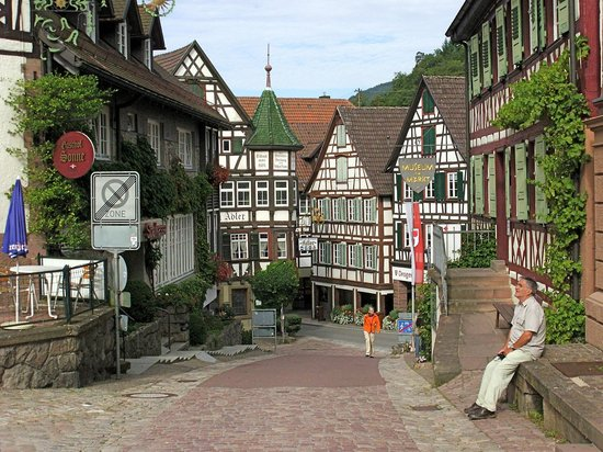 marktplatz schiltach picture of hotel zum weyssen roessle schiltach tripadvisor. Black Bedroom Furniture Sets. Home Design Ideas