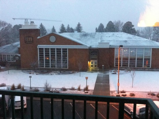 Drury Inn & Suites Flagstaff : Our view from the balcony...go eat at 1899. Best place in town!