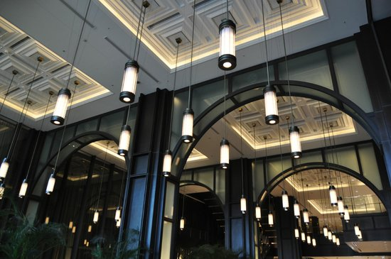 Shin-marunouchi Building: 風格を感じさせるロビー