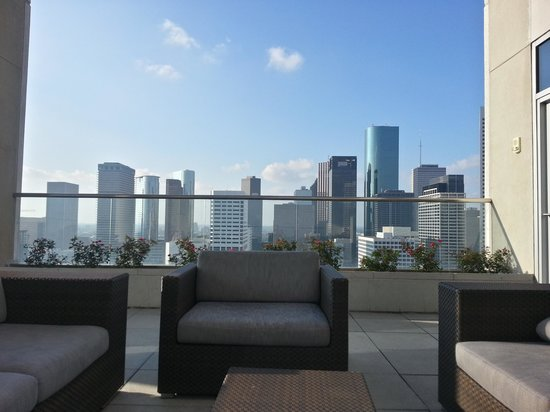 Hilton Americas - Houston: view from outdoor lounge by the pool