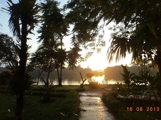 Tortuga Lodge & Gardens: El amanecer