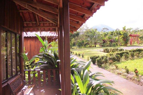 Hotel Rancho Cerro Azul: Front porch