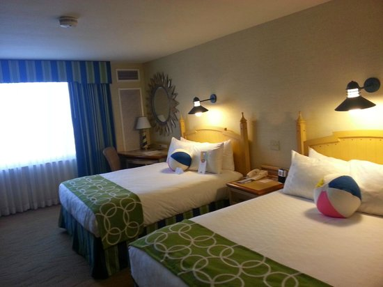 2 double beds with sofa bed picture of disney 39 s paradise for Sofa bed hotel