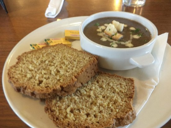 Waterford Marina Hotel: home made soup, and bread,
