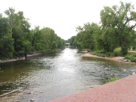 Big Rapids Riverwalk: Over look of Muskegon River from River Walk Bridge
