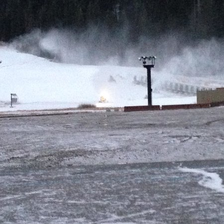 Red Wolf Lodge at Squaw Valley: Squaw Valley Making Snow