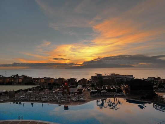 Be Live Family Costa los Gigantes: Sunset from room