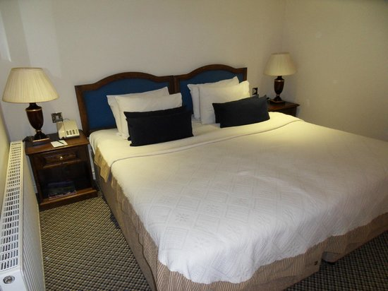ringwood hall hotel ziplink bed