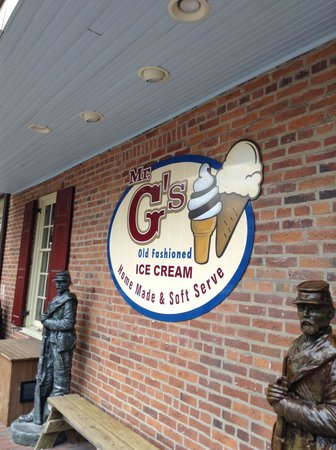 Mr. G's Ice Cream: the outside