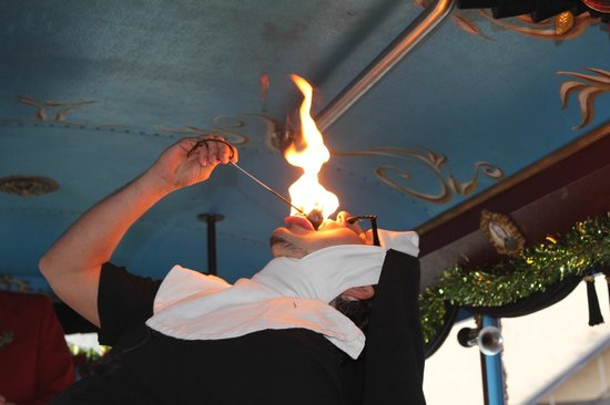 LaZoom : Fire breathing/eating nun