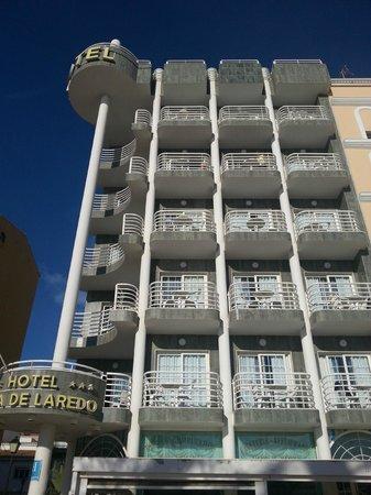 Hotel Villa de Laredo: The front evevation