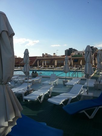 Hotel Villa de Laredo: The rooftop pool