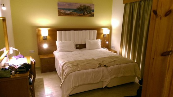 Kefalos Beach Tourist Village: bed room