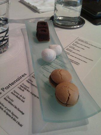 Quai des Saveurs : Mignardises : guimauve au coqulicot et spécialité au café et au chocolat