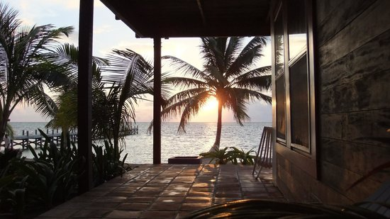 Ambergris Divers Resort: morning out our patio door