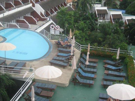 Best Western Phuket Ocean Resort: Upper pool