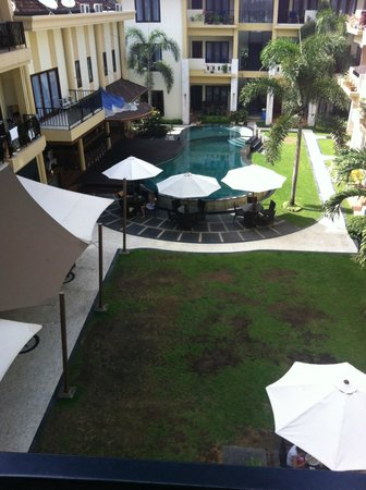 Kuta Town House Apartments : Pool