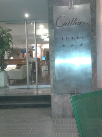Hotel Crillon Mendoza: Entrada do hotel