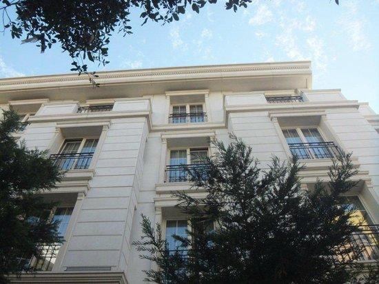 Recital Hotel: Facade