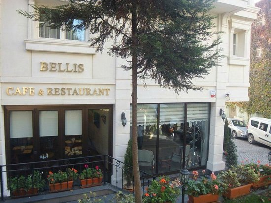Recital Hotel: Hotel's Restaurant and Cafe
