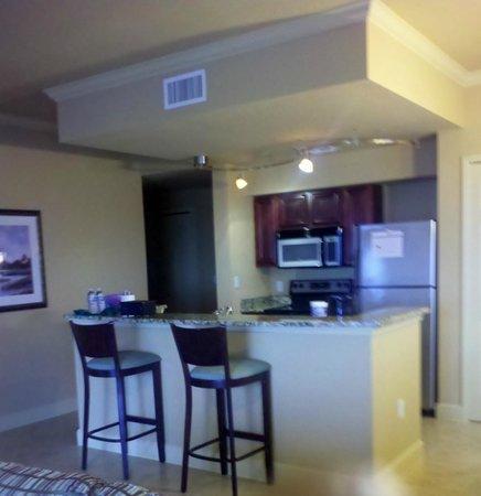Lake Eve Resort : Kitchen in 2 bedroom platinum suite