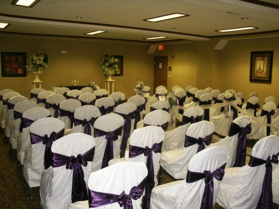 Holiday Inn Express Suites Lake Worth NW Loop 820: Event room-Wedding ceremony