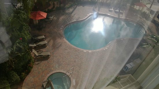 Hampton Inn Orlando/Lake Buena Vista: View from room and pool