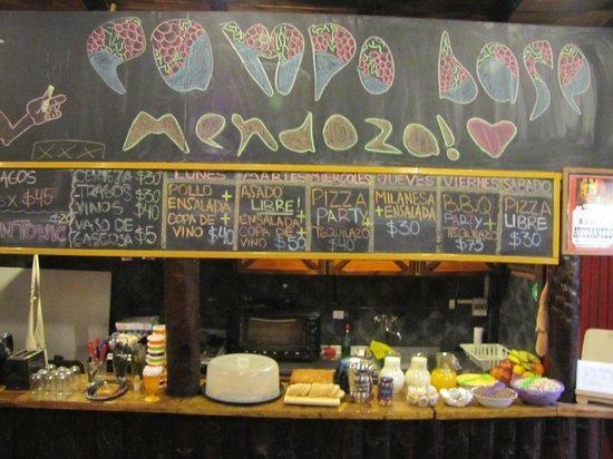 Campo Base Youth Hostel: Cafe da manha