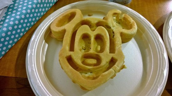 Hampton Inn Orlando/Lake Buena Vista : Breakfast: The Mickey Waffles, the best part of staying here!