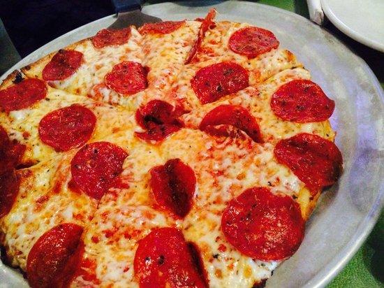 Villa Pizza & Pasta: Pepperoni pizza