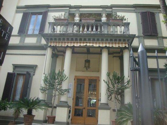 Hotel Chiusarelli: Fachada
