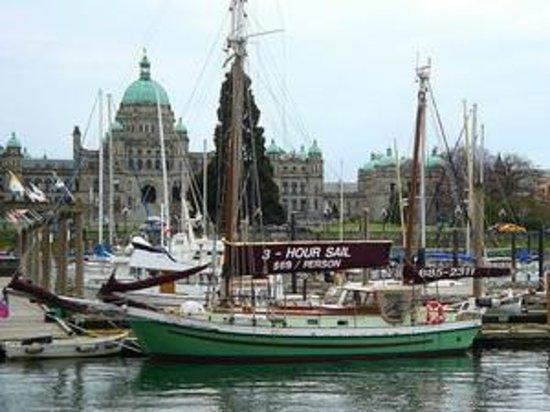 3-Hour Sail: Parliament Buildings