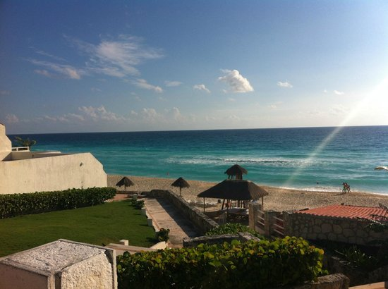 Solymar Cancun Beach Resort: Desde la alberca