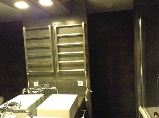 The Wine House Hotel & Restaurant: casa de banho quarto 2