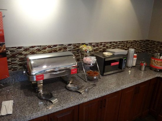 Hampton Inn Coventry-Warwick Area : Breakfast time