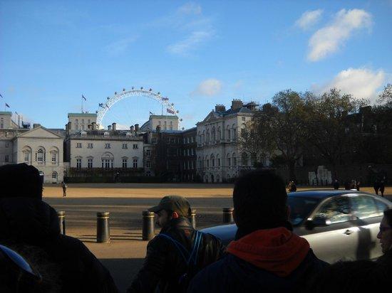 SANDEMANs NEW London Tours: Tour