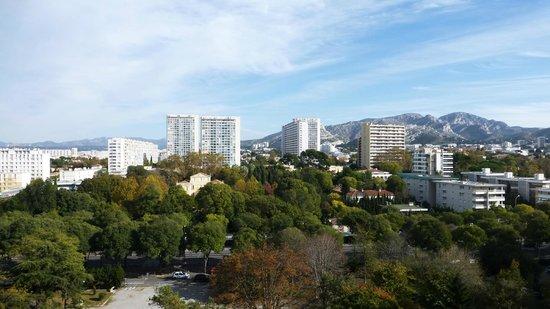 Rue du jardin d 39 hiver picture of cite radieuse le for Le jardin marseille