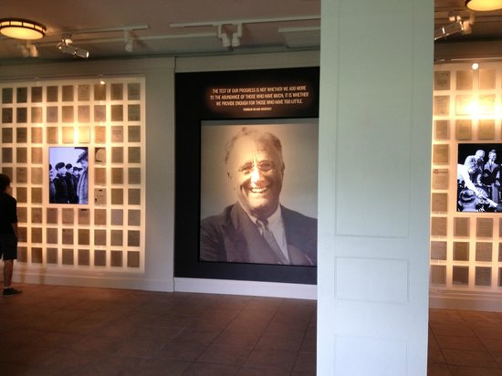 Franklin D. Roosevelt Presidential Library and Museum: The newly renovated FDR Library/Museum Lobby