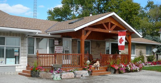 Jay's Motel and Restaurant: Front entrance