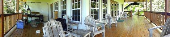 Tranquilo Bay Eco Adventure Lodge: Terraza zona comun