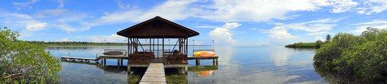 Tranquilo Bay Eco Adventure Lodge: Embarcadero